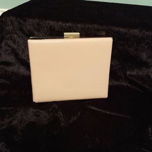 Boxed clutch in nude color